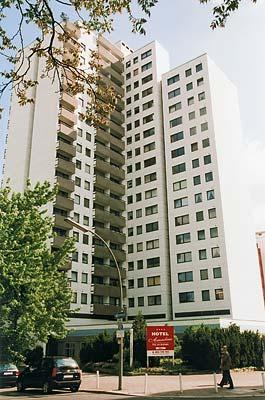 Lützow-Center, 1970, Wohn-Büro Komplex Studentenwohnheim, Keithstr./Lützowufer/Landgrafenstr., Foto: A. Bonitz